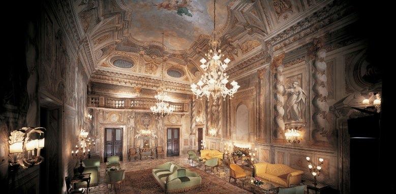 Grand Hotel Continental, ballroom