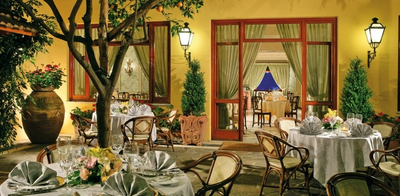 Grand Hotel De La Ville, dining terrace night