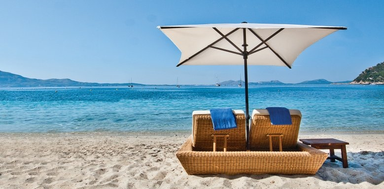 Royal Hideaway Formentor, beach and sunloungers