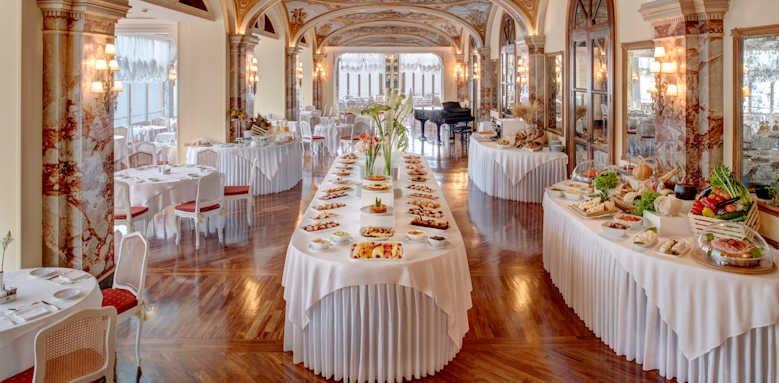 Grand Hotel Excelsior Vittoria, breakfast