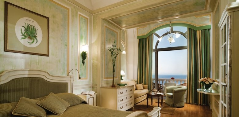 Grand Hotel Excelsior Vittoria, deluxe sea view with terrace