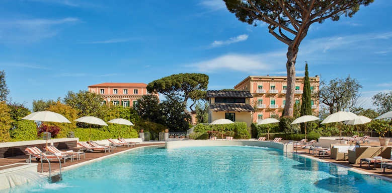 Grand Hotel Excelsior Vittoria, pool and hotel