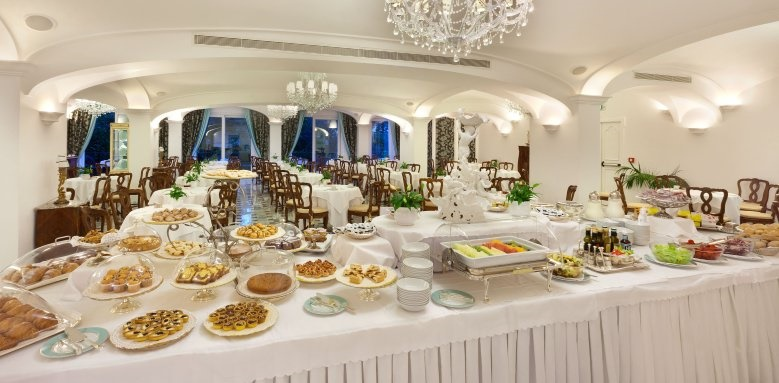 Grand Hotel La Favorita, Breakfast