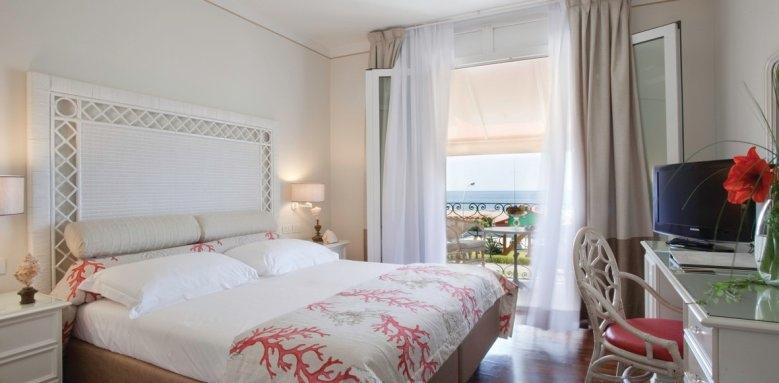 Hotel IL Negresco, double room coral sea view