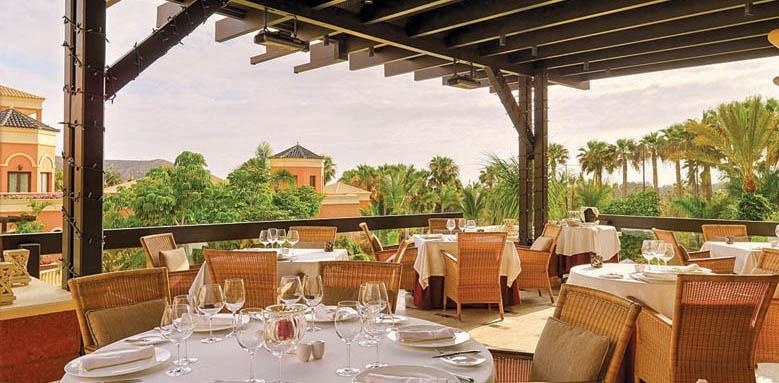Hotel Las Madrigueras, restaurant terrace