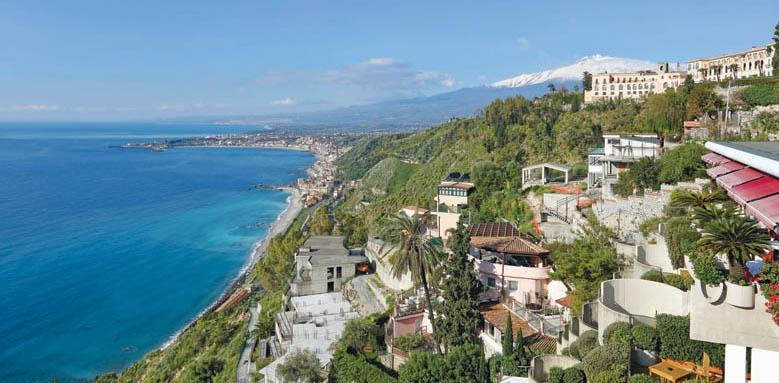 Hotel Monte Tauro, coastal view