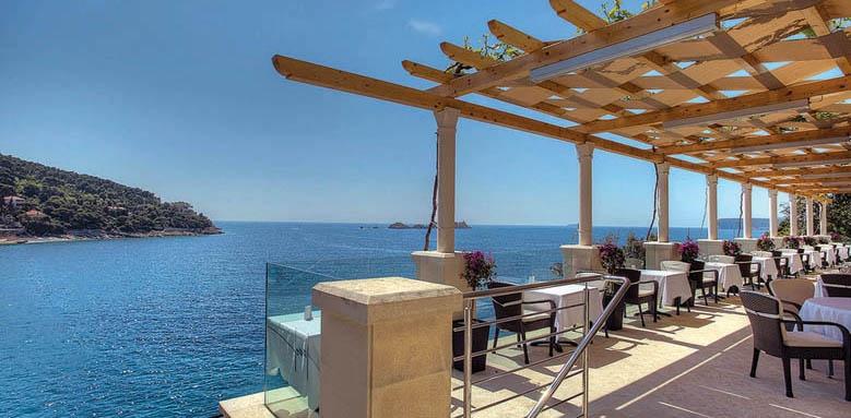 hotel morel, restaurant terrace