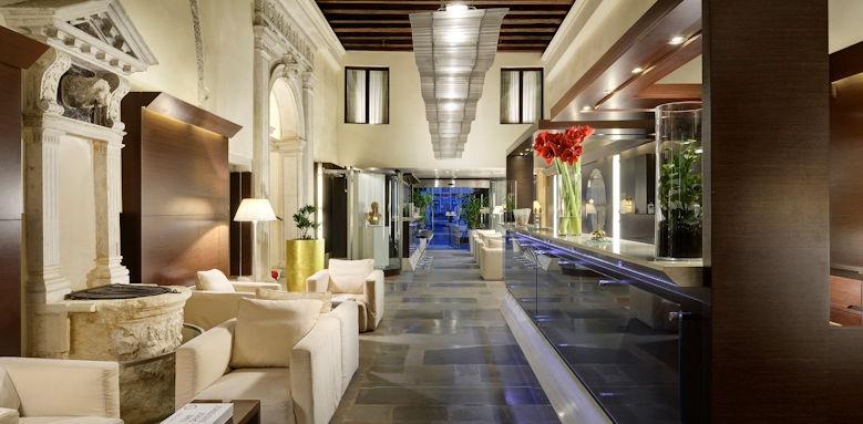 Palazzo Giovanelli, lobby
