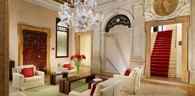 Palazzo Giovanelli, noble lobby