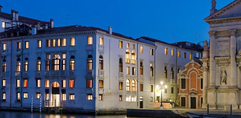 Palazzo Giovanellia, Hotel Image