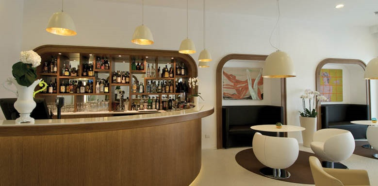 Hotel Plaza, bar