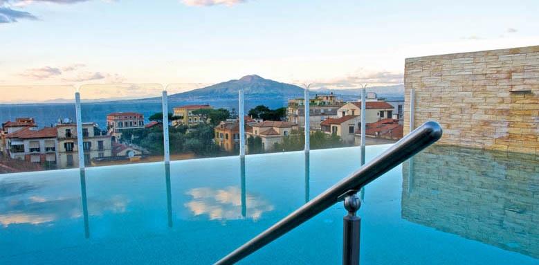 Hotel Plaza, infinity pool