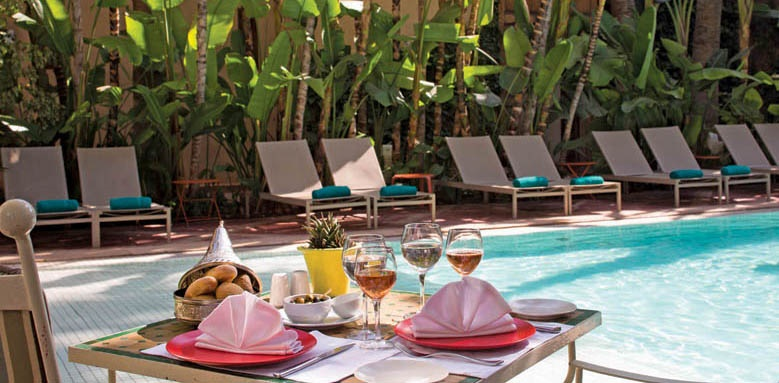 jardins de la medina, pool side lunch