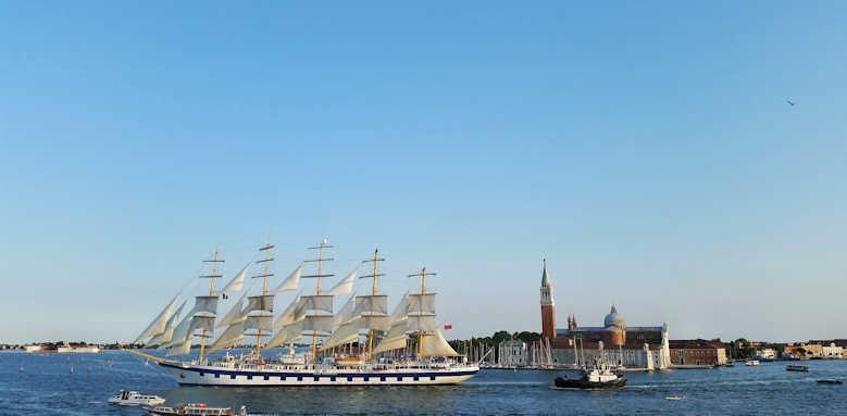 Locanda Vivaldi, view from terrace of passing ship