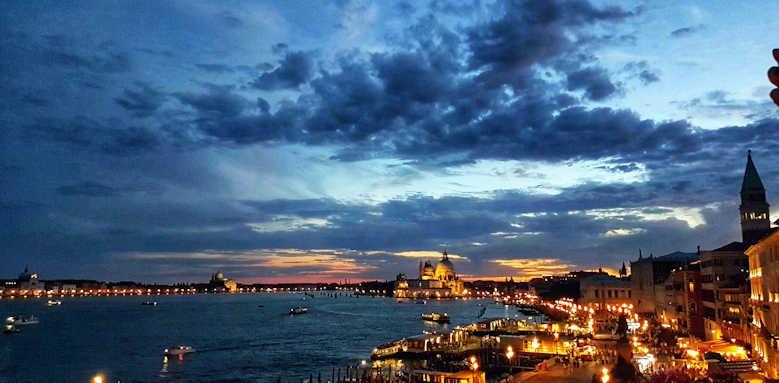 Locanda Vivaldi, night view