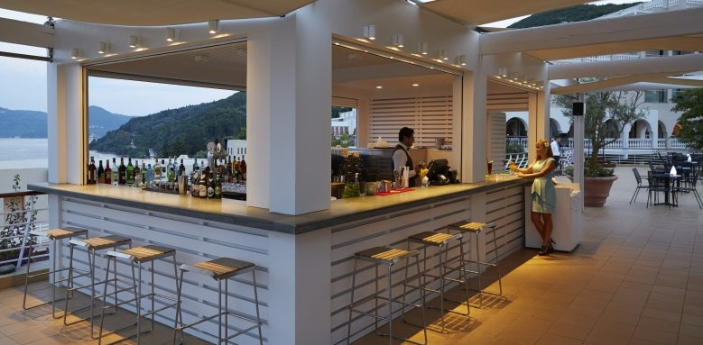 MarBella Corfu, Bar