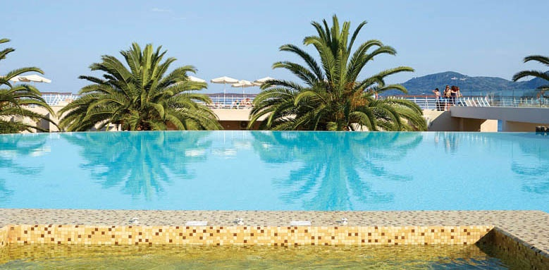 MarBella Corfu, Infinity Pool