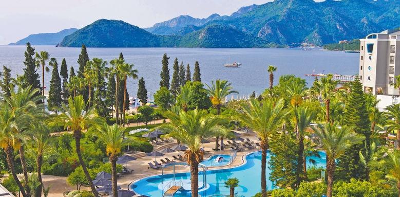 D- Resort Grand Azur, pool area