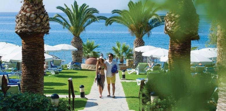 Mediterranean Beach, grounds