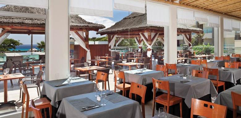 Melia Gorriones, Restaurant