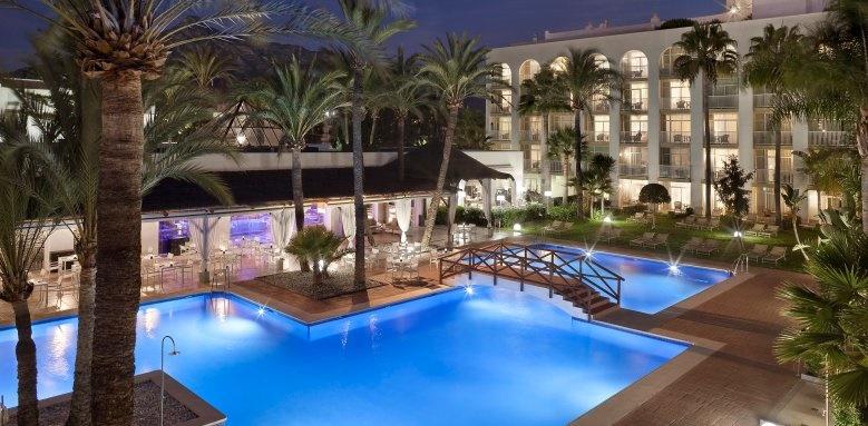 Melia Marbella Banus, pool at night