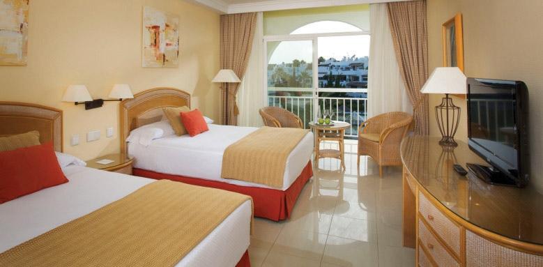 Melia Marbella Banus, standard twin room