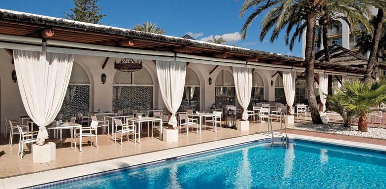 Melia Marbella Banus, Rio Verde terrace restaurant