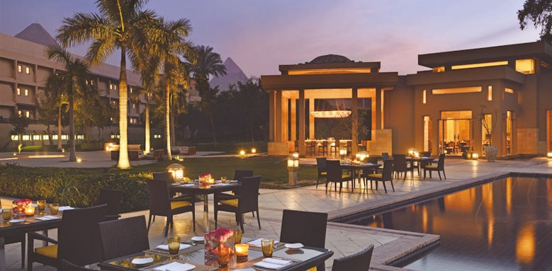 Marriot Mena House, restaurant at night