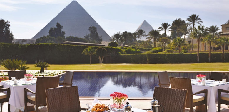 Marriot Mena House, pyramid view