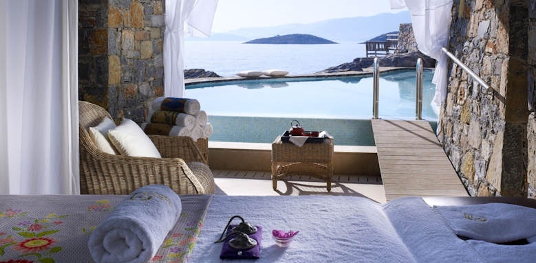 st nicolas bay, spa suite view