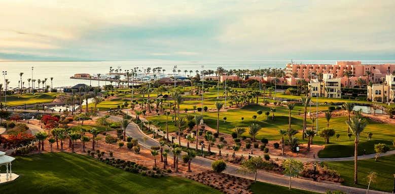 Steigenberger Al Dau Beach Hotel, view of gardens