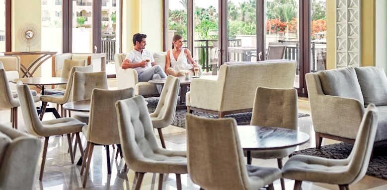 Steigenberger Al Dau Beach Hotel, lounge area