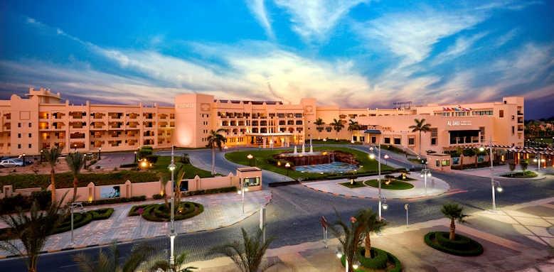 Steigenberger Al Dau Beach Hotel, sunset