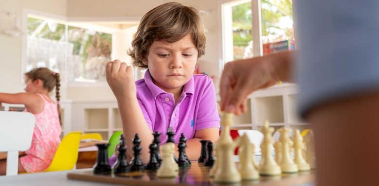 Suite Hotel Atlantis Fuerteventura Resort, miniclub chess
