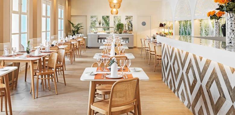 Suite Hotel Atlantis Fuerteventura Resort, atrium restaurant