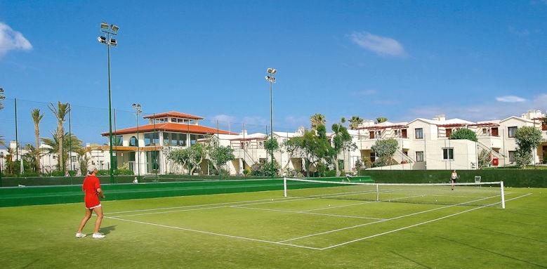 Suite Hotel Atlantis Fuerteventura Resort, tennis courts