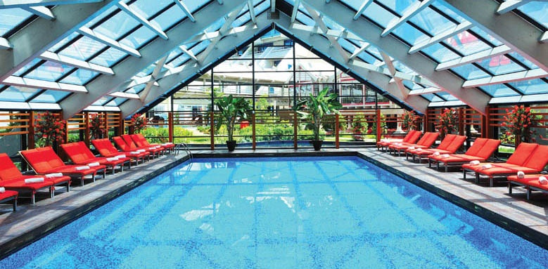 Susesi, indoor pool