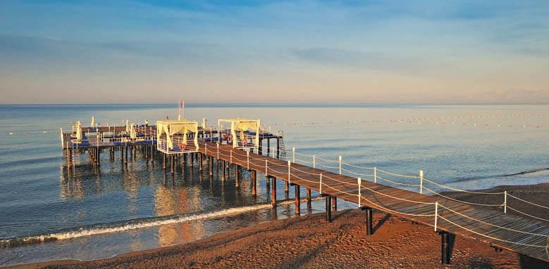 Susesi, pier and beach