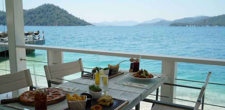 D-Resort Gocek, food and drink