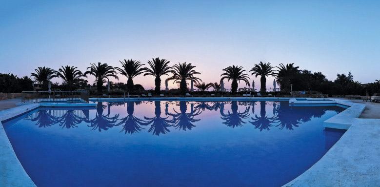 Ta' Cenc, sunset pool