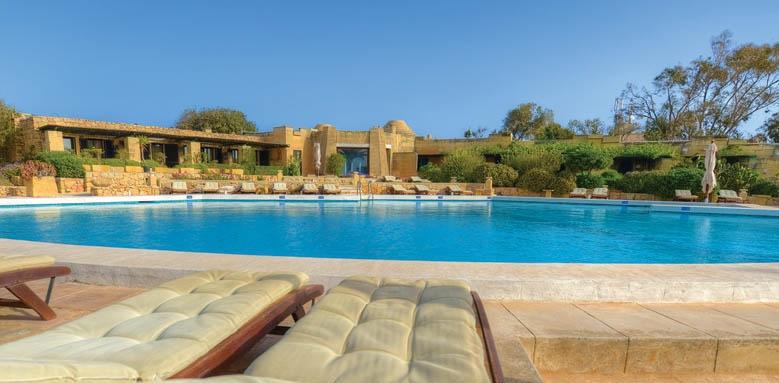 Ta Cenc, Pool View
