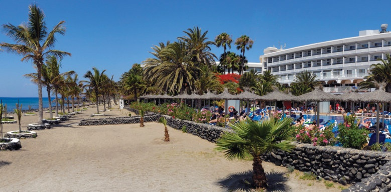 Vik Hotel San Antonio, beach