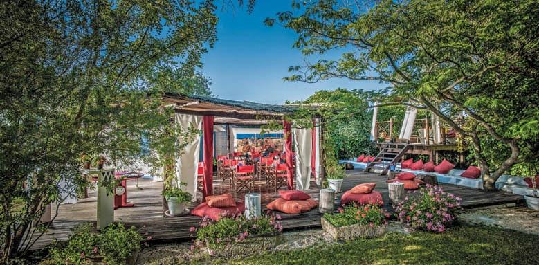 Hotel Su Gologone, pool bar