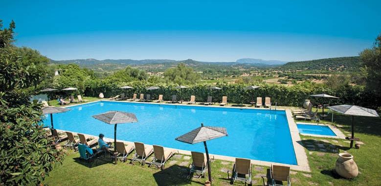 Hotel Su Gologone, spring water pool