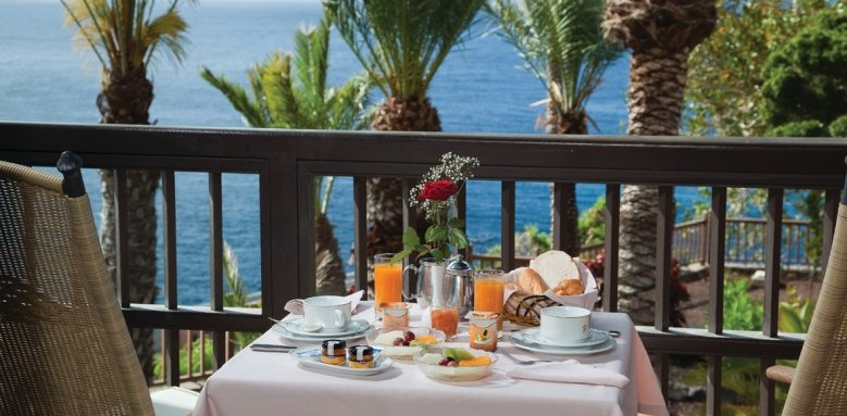 Parador de la Palma, breakfast on the terrace