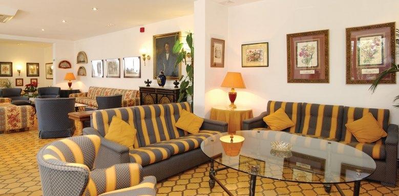 Hotel Mijas, chimenea salon