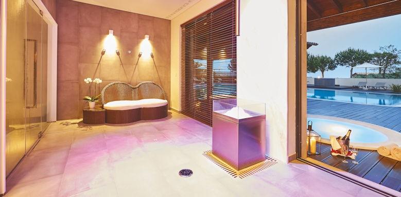 cascades wellness, spa treatment room