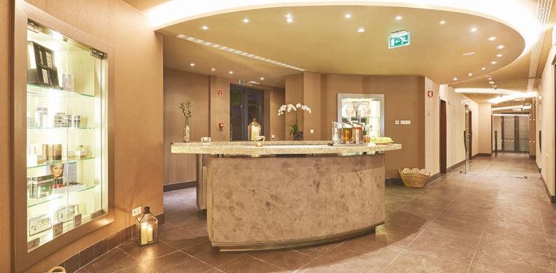 Cascade Wellness, spa reception