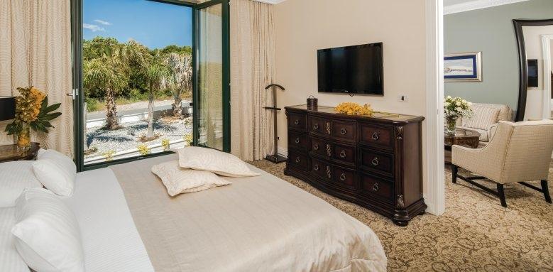 Royal Princess Hotel, deluxe suite garden view