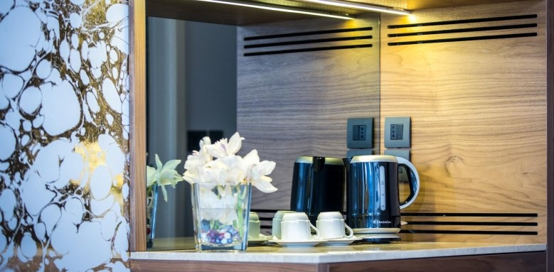 Hotel Ariston, details